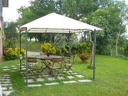 giardini con gazebo gazebo anche in inverno idee tende da sole