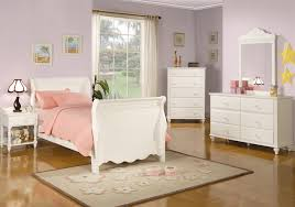 Sleigh Bed Bedroom Set Pepper Youth 4 Piece Sleigh Bed Bedroom Set In Eggshell White