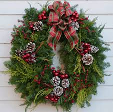 fresh traditional wreath pre order now