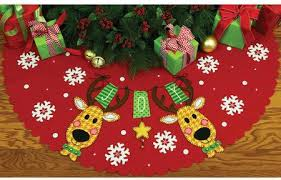 dimensions reindeer tree skirt felt applique kit