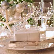 Christmas Table Decoration Ideas On A Budget by 25 Best Dinner Table Settings Ideas On Pinterest Table Settings