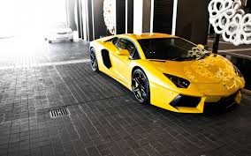 yellow and black lamborghini a valet took this lamborghini out for a joyride and it burst into