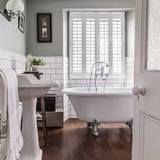 Fascinating Traditional White Bathroom Ideas Apinfectologia - Traditional bathroom designs
