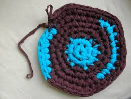 Crochet Doormat How To Crochet A Rug Out Of T Shirts Craftstylish