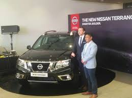 nissan terrano india new nissan terrano 2017 facelift launched in india at inr 9 99