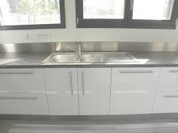 meuble cuisine laqu meuble de cuisine blanc brillant la cuisine blanche le des