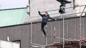 tom cruise plunges off building and smashes into wall as he