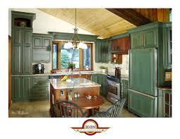 armoire de cuisine en pin cuisine en pin noueux vert bois avec comptoir en céramique cuisine