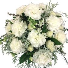 White Roses In A Vase White Flowers In Vase Flowers Delivery Florist Wellington Nz
