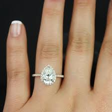 pear engagement ring best 25 pear engagement rings ideas on pear shaped