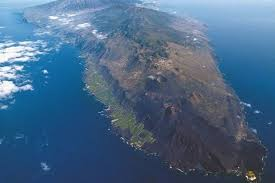 la palma volcano fears of eruption in canary islands daily star