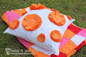 cucire un cuscino come cucire un cuscino con fiori arancioni di makeit loveit