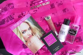 victoria secret on black friday victoria u0027s secret black friday free tote here u0027s what was in it