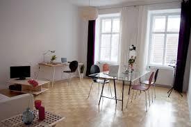 Wohnzimmer Biedermeier Modern Zentrale Wohnung In Altem Biedermeier Haus Ferienwohnung Wien