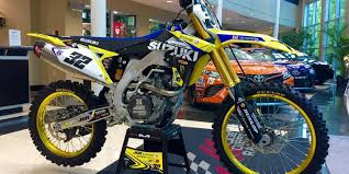 motocross bike carrier suzuki announces 2018 autotrader yoshimura factory racing team