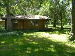 charming cabin on the waters edge 2br 1ba on round lake wh