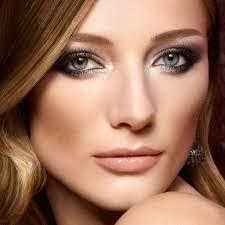 Make Up smokey eye mit goldschimmer ein effektvolles make up