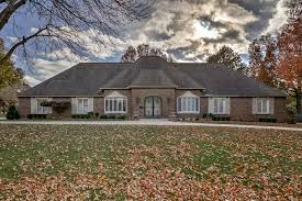 how many square feet is a 1 car garage 100 how many square feet is a typical 2 car garage pavers