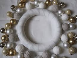 christmas ornament wreath tutorial u2014 sarah catherine design