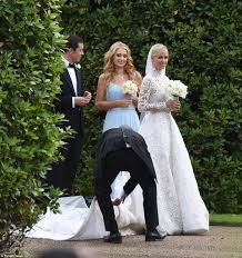 nicky hilton u0027s wedding dress stuck under bentley before marrying