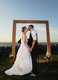 wedding backdrop arch build a wedding arch that doubles as a picture frame offbeat