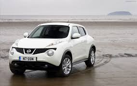 nissan crossover juke nissan juke 2012 widescreen exotic car wallpapers 02 of 4