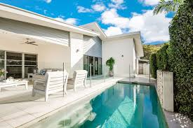 real estate for sale 4 sandy court mount coolum qld