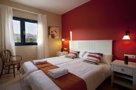 appliques chambre à coucher decoration peinture murale chambre coucher grand lit appliques