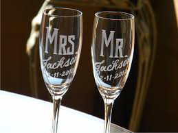 personalized glasses wedding personalized wedding mr mrs chagne flutes set of 2