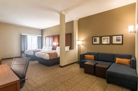 Comfort Suites Oklahoma City Comfort Suites In Oklahoma City Ok Near Whitewater Bay