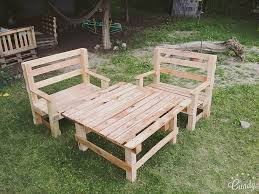 Outdoor Furniture Made From Pallets by Diy Pallet Outdoor Furniture Set 101 Pallets
