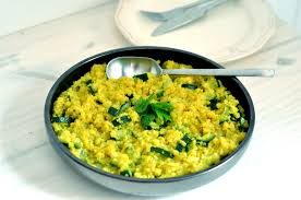 cuisiner le quinoa quinoa aux courgettes et curcuma comme un risotto chez bergeou
