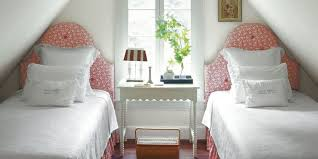 Bedroom Ideas For Small Space Home Interior Design - Bedroom decorating ideas for small spaces