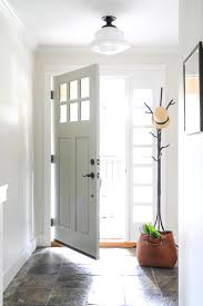 Small Foyer | 8 ways to enhance a small foyer