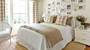 How To Make A Bed With A Duvet Gracious Guest Bedroom Decorating Ideas Southern Living