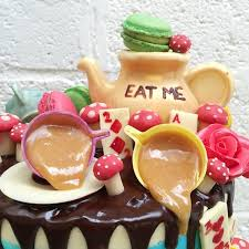 alice in wonderland wedding cake u2013 anges de sucre