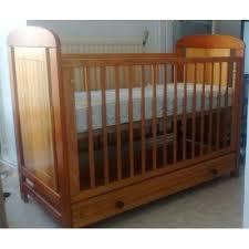 chambre bebe pin lit enfant pin massif lit bacbac marque vobois pin massif matelas