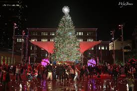 sundance square tree lighting 2017 awesome places to enjoy the holidays with the family in dfw moira