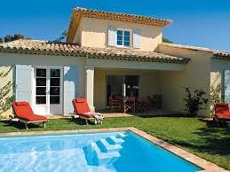 location 3 chambres villa 3 chambres 102 m2 piscine privée à proximité du golf de ste