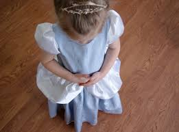 nest eggs cinderella dress tutorial