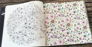papier peint a colorier secret garden le cottage de gwladys