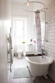 Bathroom Ideas Tiled Walls by Best 25 Long Narrow Bathroom Ideas On Pinterest Narrow Bathroom