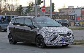 opel zafira 2013 opel zafira facelift spied with revealing camouflage autoevolution
