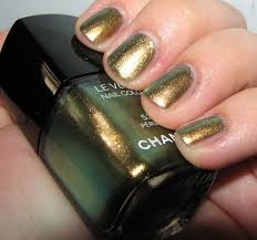 nail polish chanel peridot