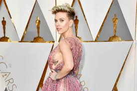 scarlett johansson flashes sideboob tattoo celebuzz