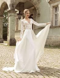 budget wedding dress wedding dress on a budget wedding corners