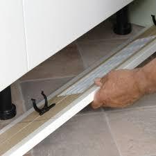 fixation plinthe cuisine clip de fixation de pied de meuble sur plinthes clip 204 of