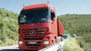 mercedes commercial trucks daimler designs cruise controller for mercedes trucks