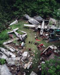 3 intact crashed b 17 bombers of papua new guinea aircraft