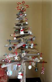 basteln sie mit treibholz einen originelle weihnachtsbaum